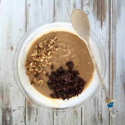 Amish Friendship Bread Batter with Raisins and Nuts ♥ friendshipbreadkitchen.com