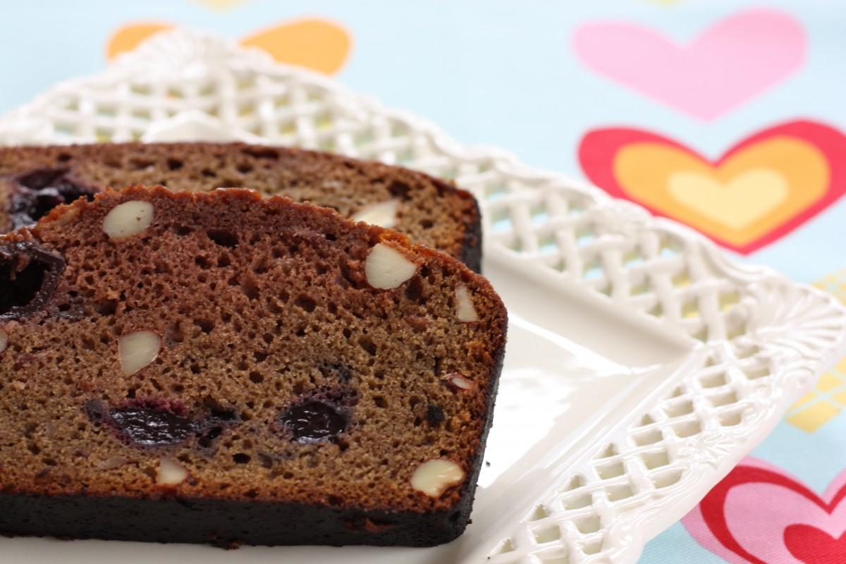 Chocolate Cherry Amish Friendship Bread ♥ friendshipbreadkitchen.com