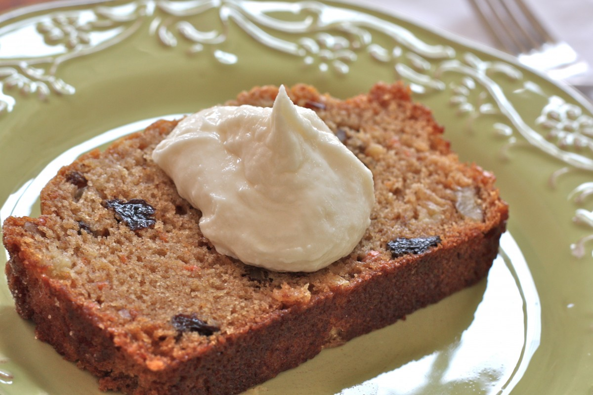 Pineapple Carrot Cake Amish Friendship Bread ♥ friendshipbreadkitchen.com