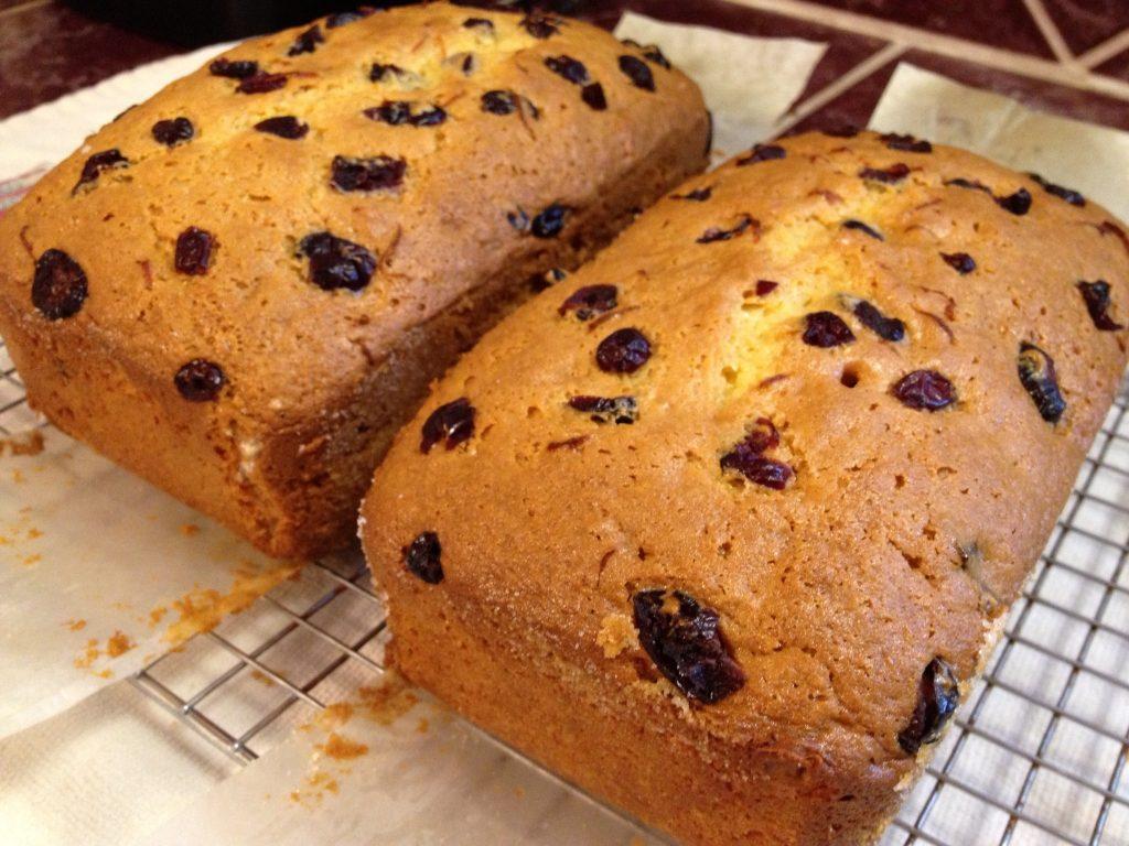 Cranberry Orange Amish Friendship Bread by Paula Altenbach ♥ friendshipbreadkitchen.com