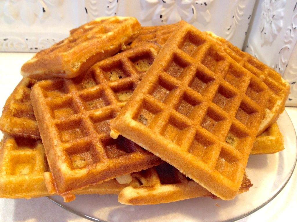 Amish Friendship Bread Waffles by Paula Altenbach | friendshipbreadkitchen.com