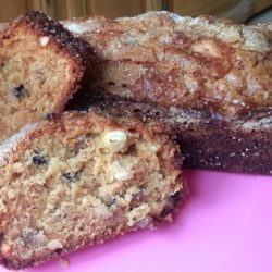 Apple Raisin Amish Friendship Bread by Saskia Baur | friendshipbreadkitchen.com
