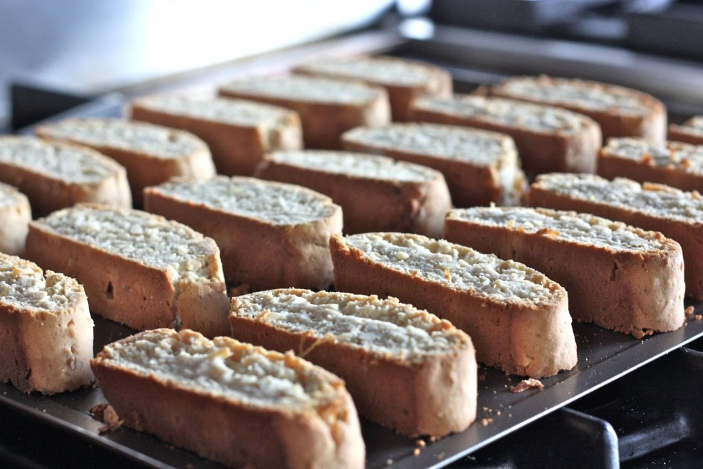 Amish Friendship Bread Biscotti ♥ friendshipbreadkitchen.com