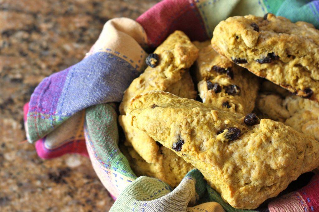Pumpkin Amish Friendship Bread Scones ♥ friendshipbreadkitchen.com