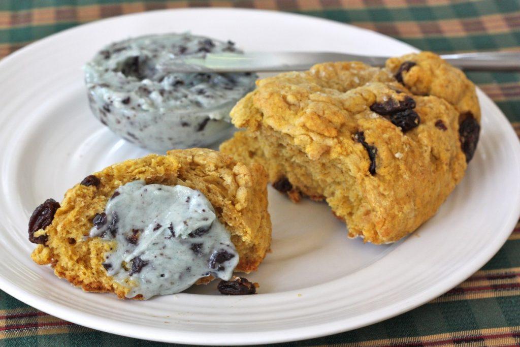 Pumpkin Amish Friendship Bread Scone with Berry Butter | friendshipbreadkitchen.com