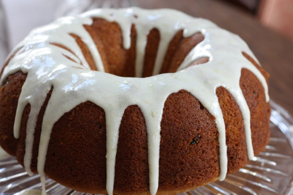 Lemon Cranberry Amish Friendship Bread Bundt Cake ♥ friendshipbreadkitchen.com