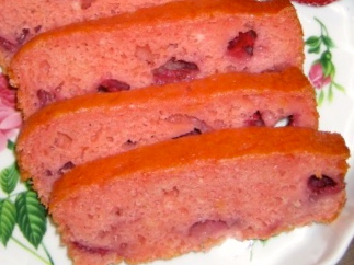 Strawberry Amish Friendship Bread by Shari Breske ♥ friendshipbreadkitchen.com