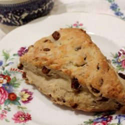 Date and Pecan Amish Friendship Bread Scones by Suzy | friendshipbreadkitchen.com