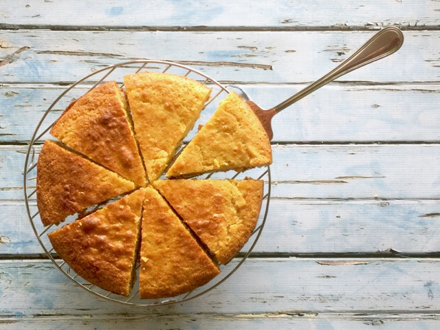 Amish Friendship Bread Cornbread | friendshipbreadkitchen.com