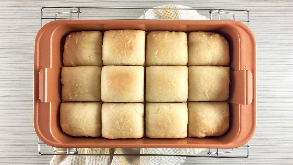 Potato Flake Amish Friendship Bread Rolls | friendshipbreadkitchen.com