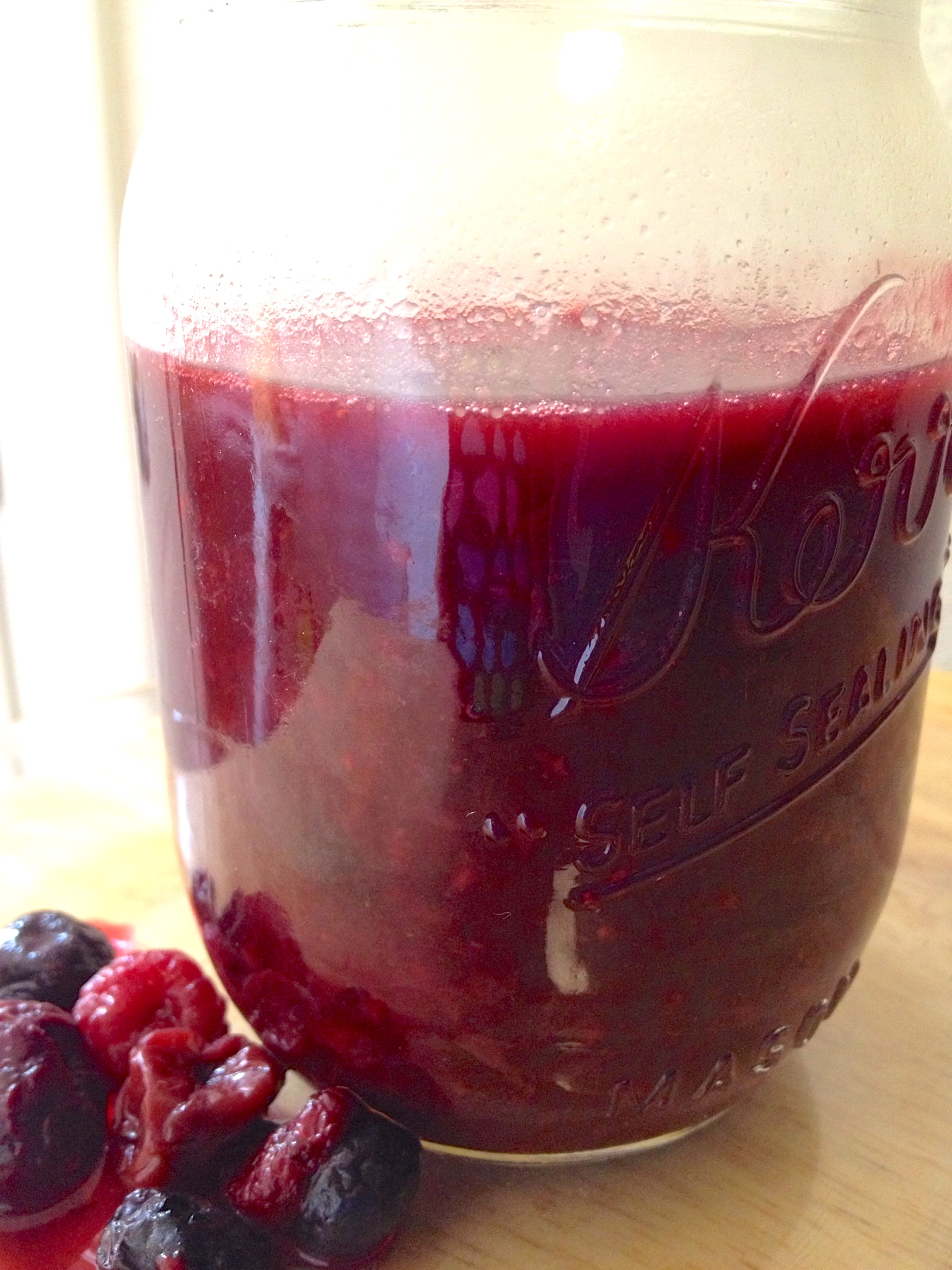 Berry Compote for Amish Friendship Bread by Paula Altenbach | friendshipbreadkitchen.com
