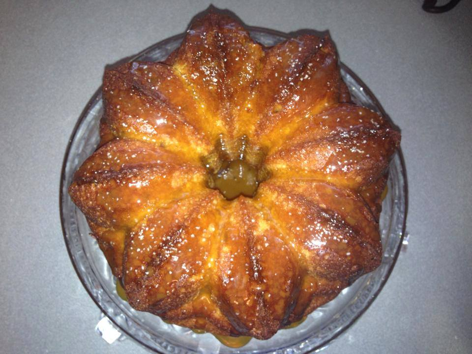 Salted Caramel Bundt Cake by Kimberly Kozicki ♥ friendshipbreadkitchen.com