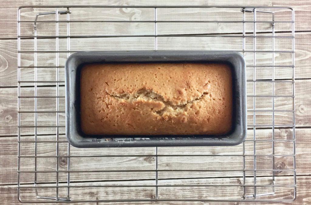 Lemon Spice Amish Friendship Bread Visiting Cake | friendshipbreadkitchen.com