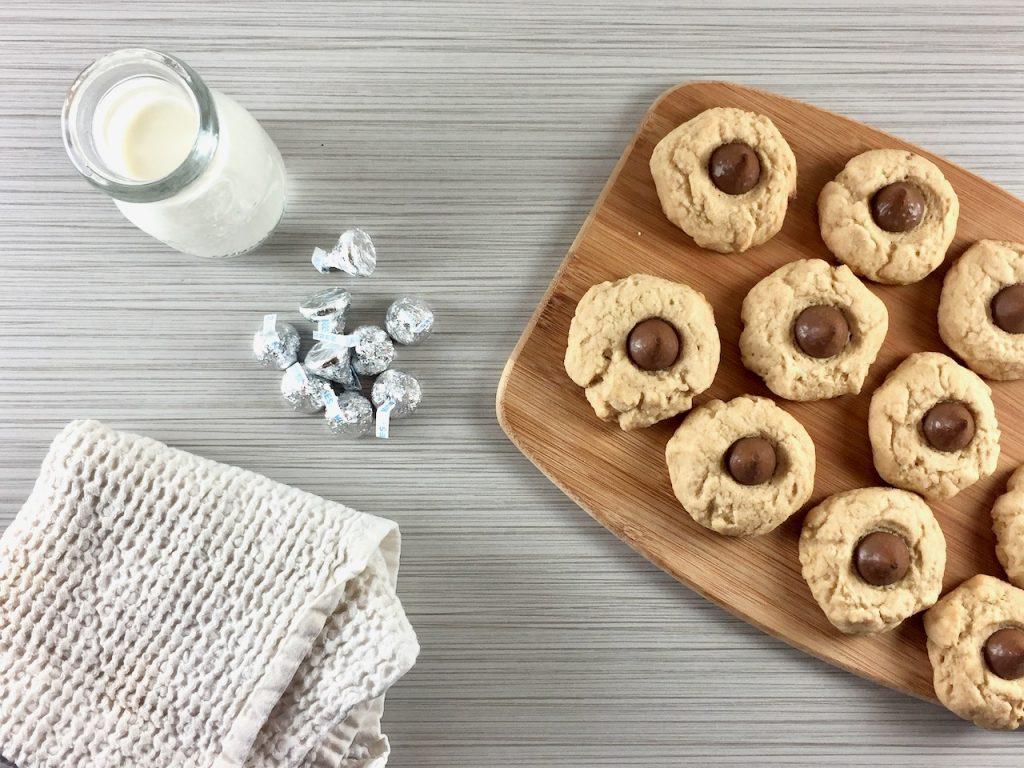 Amish Friendship Bread Peanut Butter Blossom Cookies | friendshipbreadkitchen.com